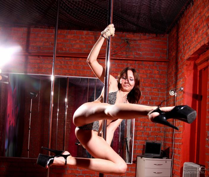 striptiz-smotret-onlayn-goliy