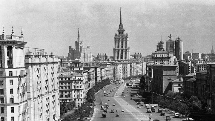 Кутузовский проспект с на набержной