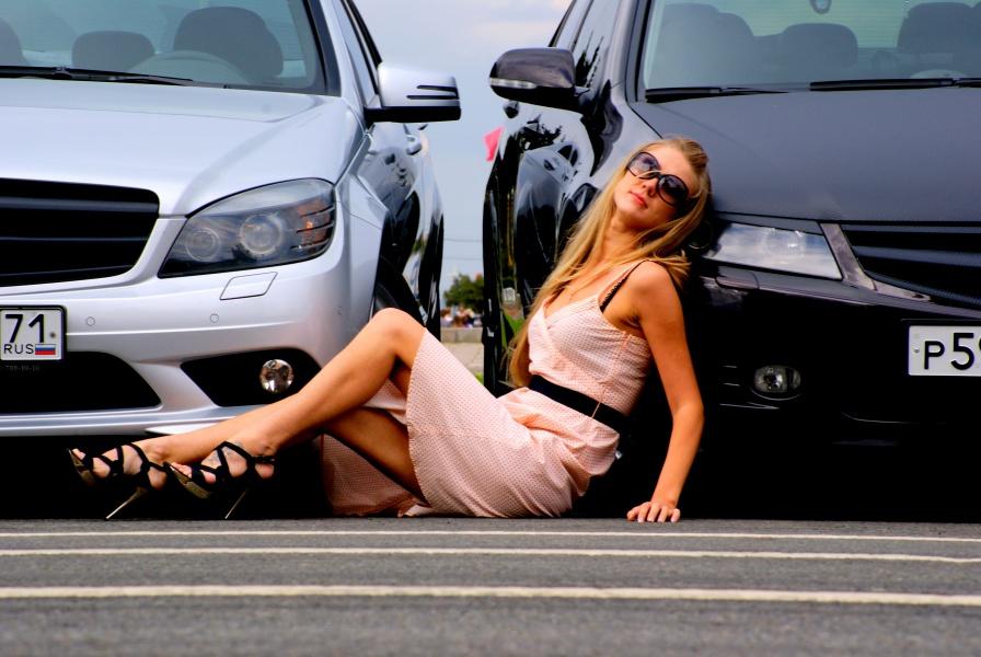 Фото девушек с российскими автомобилями