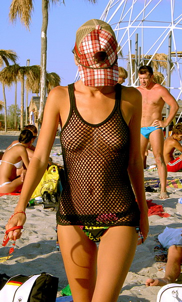 смотреть фото девушек голышок на пляже