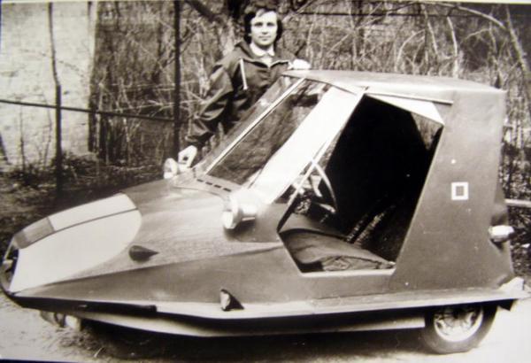 самодельном автомобиле в