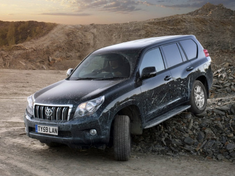 You can vote for this Toyota Land Cruiser Prado 150 photo.