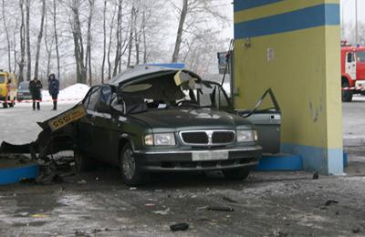 Легковушка загорелась на ходу в столице - Цензор.НЕТ 983