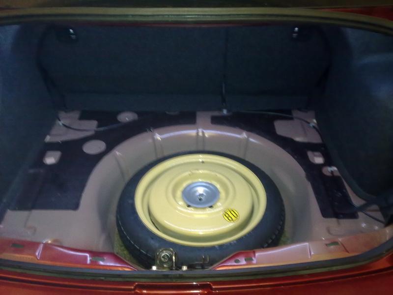 замена лампочки подсветки багажника mazda 3